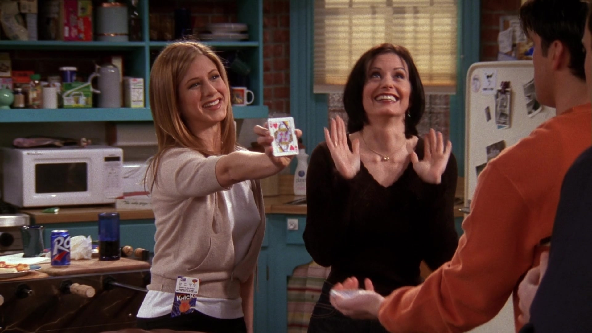 RC Cola and Knick Basketball Tickets in Friends Season 4