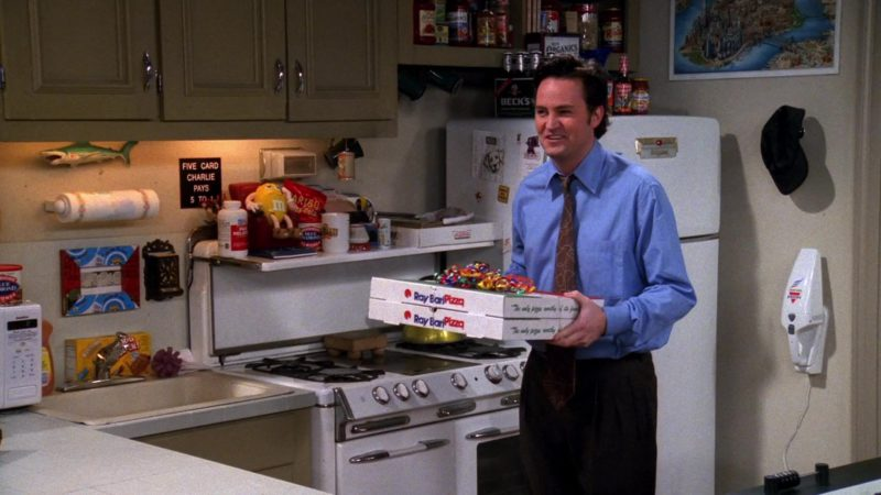 """Ray Bari Pizza Held by Matthew Perry (Chandler Bing), Beck's Beer, M&M's Toy, Blue Diamond Almonds in Friends Season 6 Episode 20 """"The One With Mac and C.H.E.E.S.E."""" (2000) - TV Show Product Placement"""