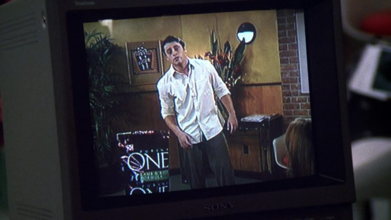 """Sony Monitor in Friends Season 6 Episode 4 """"The One Where Joey Loses His Insurance"""" (1999) - TV Show Product Placement"""