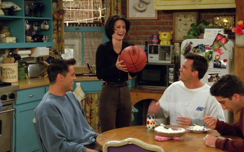 Spalding Basketball Held by Courteney Cox (Monica Geller) in Friends Season 2 Episode 6