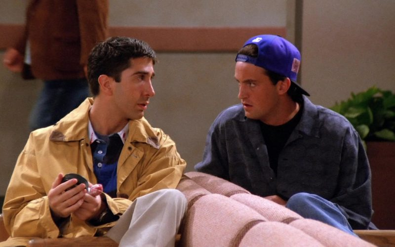Starter New York Rangers Cap Worn by Matthew Perry (Chandler Bing) in Friends Season 1 Episode 4 (6)