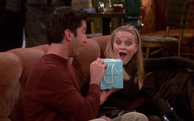 Tiffany & Co. Jewelry Paper Bag Held by David Schwimmer (Ross Geller) in Friends Season 6 Episode 13