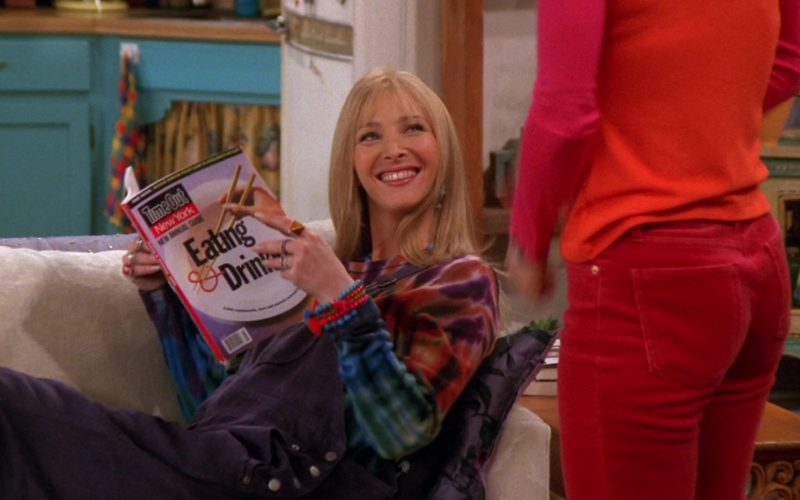 Time Out New York Magazine Held by Lisa Kudrow (Phoebe Buffay) in Friends Season 6 Episode 18 (3)
