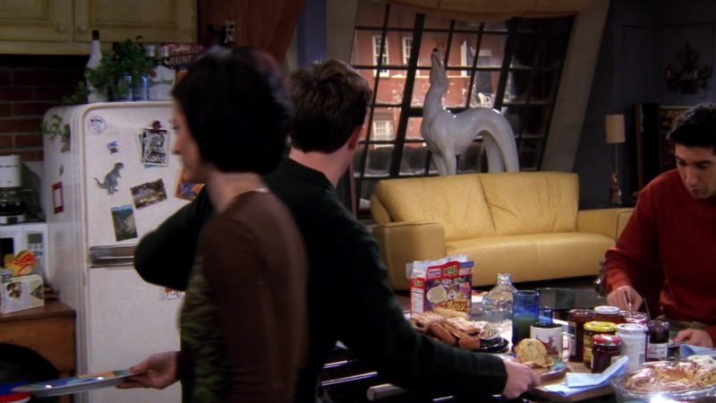 "Trix Cereal in Friends Season 4 Episode 14 ""The One with Joey's Dirty Day"" (1998) - TV Show Product Placement"