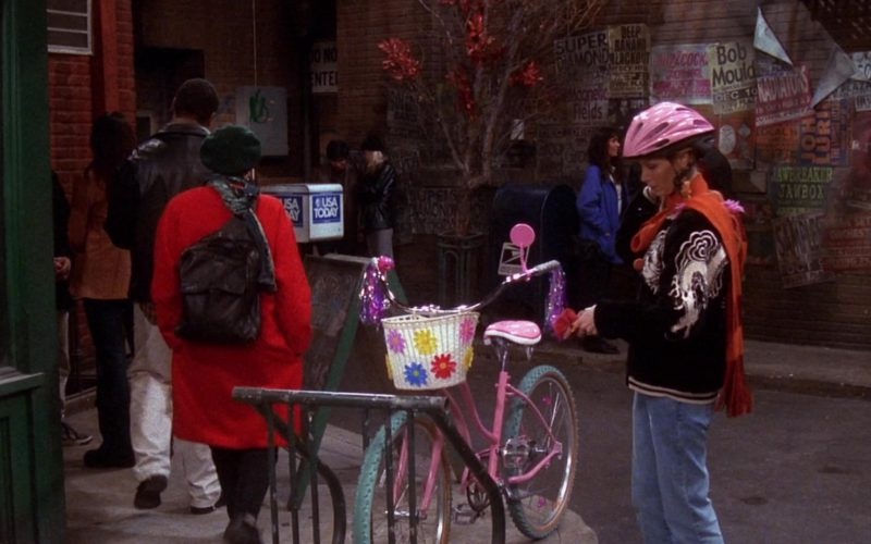 USA Today Newspapers in Friends Season 7 Episode 9 (1)