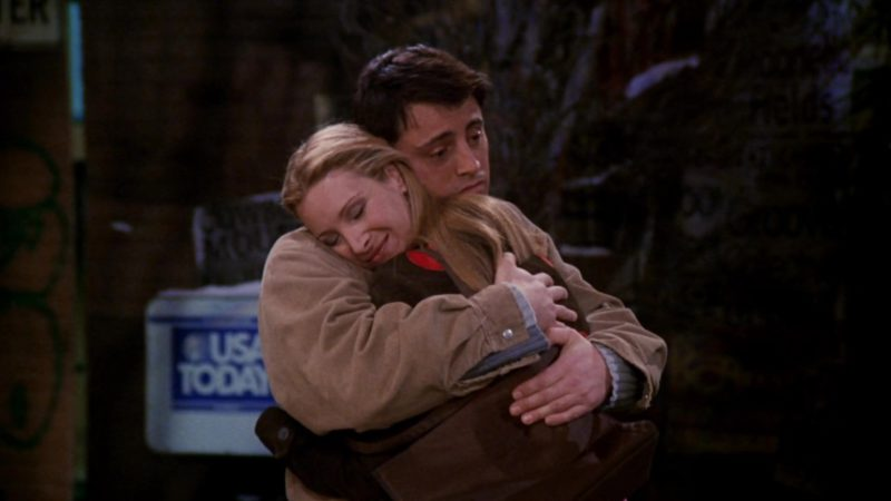 """USA Today in Friends Season 7 Episode 11 """"The One with All the Cheesecakes"""" (2001) TV Show Product Placement"""