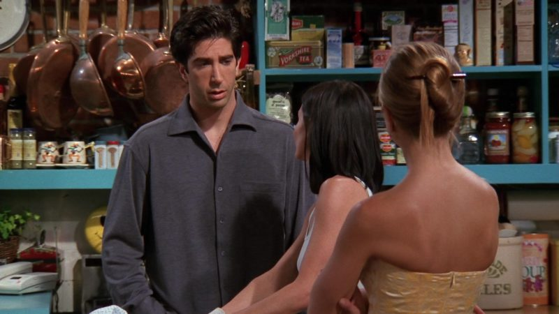 "Yorkshire Tea in Friends Season 5 Episode 2 ""The One With All the Kissing"" (1998) - TV Show Product Placement"