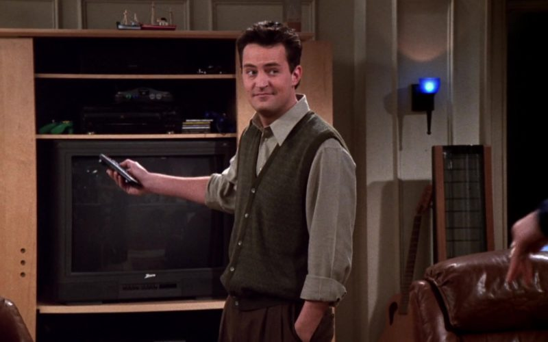 Zenith TV Used by Matthew Perry (Chandler Bing) in Friends Season 5 Episode 14