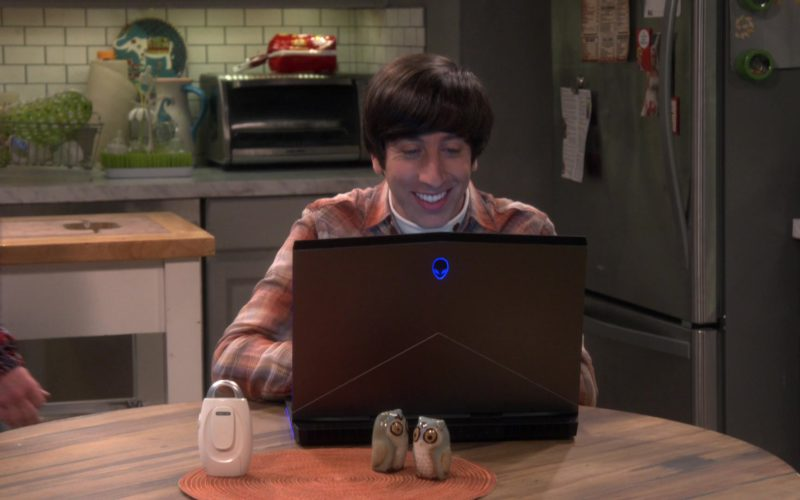 Alienware Notebook Used by Simon Helberg (Howard Wolowitz) in The Big Bang Theory (2)