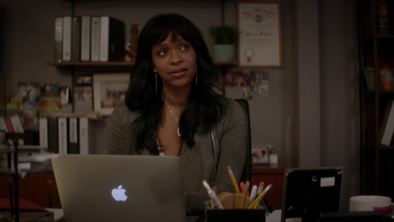 Apple MacBook Laptop Used by Merrin Dungey in The Fix - Season 1, Episode 7, Ghost Whisperer (2019) TV Show Product Placement