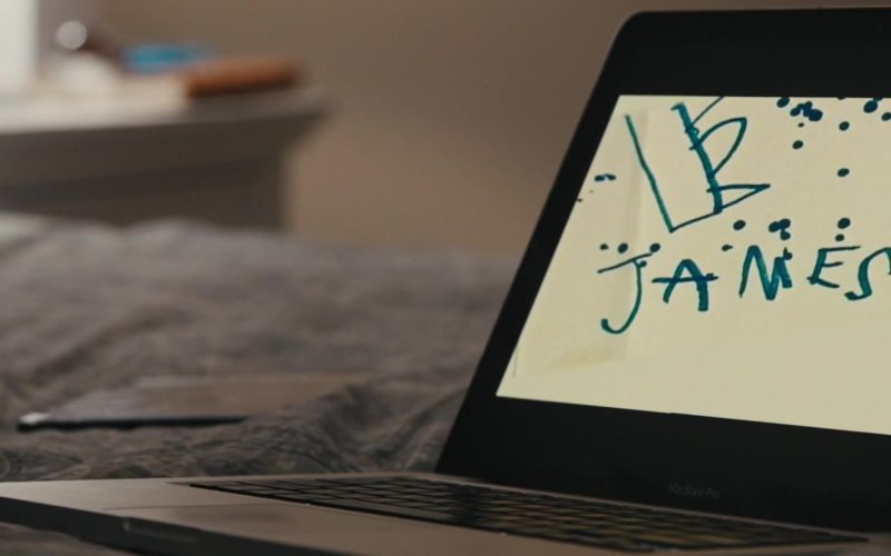 Apple MacBook Pro Laptop Used by Taylor Schilling in The Prodigy (2)