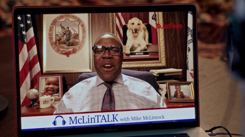 "Apple MacBook Pro and Buzzfeed in Veep - Season 7, Episode 4, ""South Carolina"" (2019) TV Show"