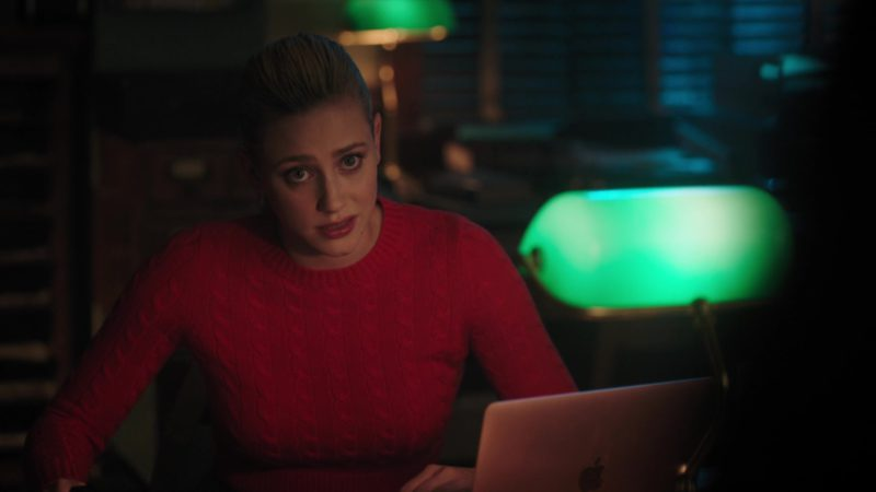 Apple MacBook Rose Gold Laptop Used by Lili Reinhart in Riverdale - Season 3, Episode 18, Chapter Fifty-Three: Jawbreaker (2019) - TV Show Product Placement