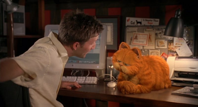 Apple Monitor Used by Breckin Meyer in Garfield (2004) Movie Product Placement