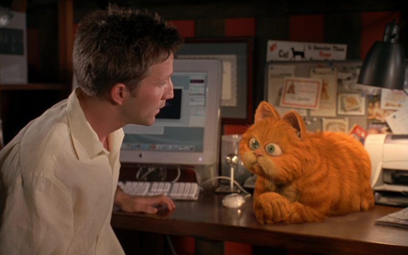 Apple Monitor Used by Breckin Meyer in Garfield (4)