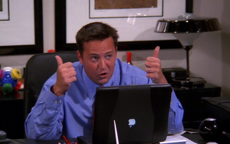 Apple Powerbook Laptop Used by Matthew Perry (Chandler Bing) in Friends Season 8 Episode 5 (1)
