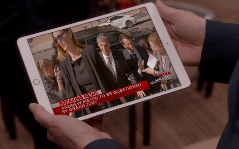 Apple iPad Tablet and MSNBC Television Channel in Veep (1)