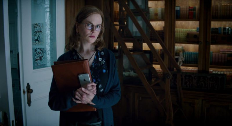 Apple iPhone Smartphone Used by Nicole Kidman in The Upside (2017) Movie Product Placement