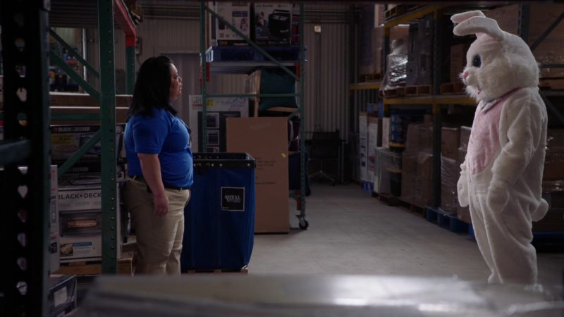 BLACK+DECKER in Superstore - Season 4, Episode 16, Easter (2019) - TV Show Product Placement