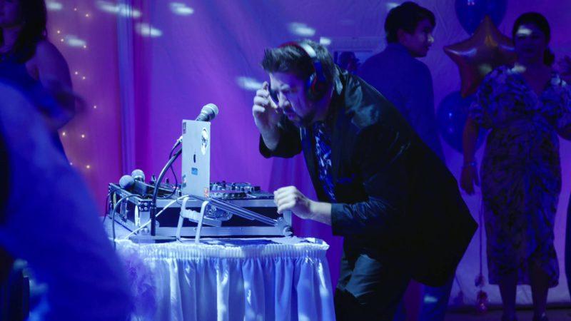 """Beats Headphones and Apple MacBook Pro Laptop in Superstore - Season 4, Episode 17, """"Quinceañera"""" (2019) TV Show"""