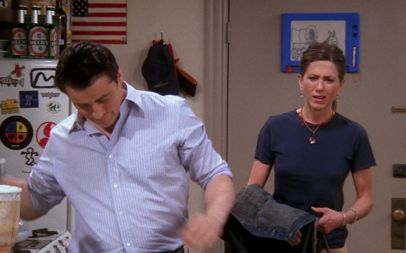 Beck's Beer in Friends Season 9 Episode 19 (4)
