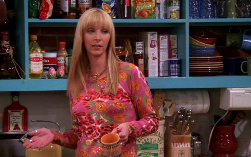 Bertolli Olive Oil in Friends Season 8 Episode 13