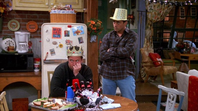 """Budweiser Beer Drunk by Matt LeBlanc (Joey Tribbiani) & Matthew Perry (Chandler Bing) in Friends Season 8 Episode 8 """"The One With the Stripper"""" (2001) TV Show Product Placement"""