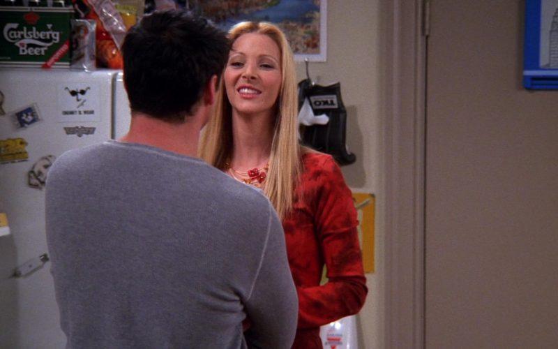 Carlsberg Beer Pack in Friends Season 8 Episode 3 (1)