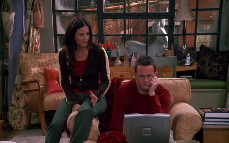 Compaq Laptop Used by Matthew Perry (Chandler Bing) in Friends (1)