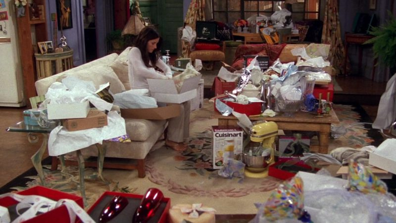"Cuisinart Blender in Friends Season 8 Episode 2 ""The One With the Red Sweater"" (2001) - TV Show Product Placement"
