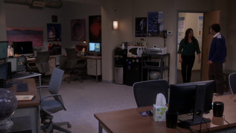 "Dell All-In-One Computer in The Big Bang Theory - Season 12, Episode 20, ""The Decision Reverberation"" (2019) - TV Show Product Placement"