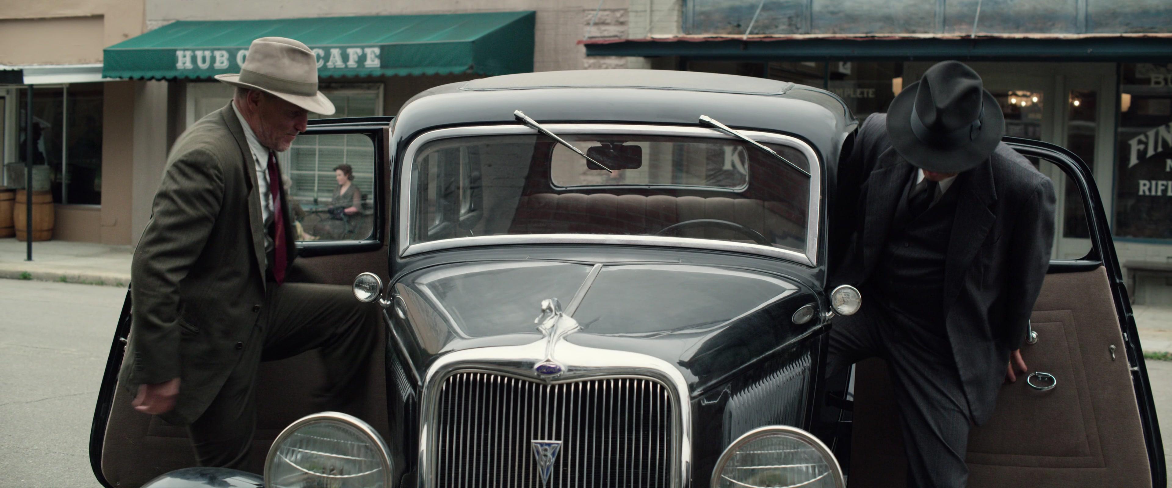 ford  car   kevin costner  woody harrelson   highwaymen