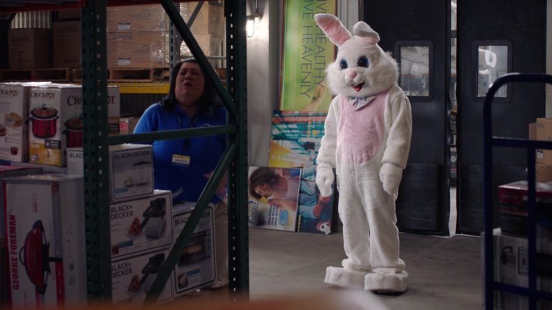 George Foreman Appliances, Crock-Pot & BLACK+DECKER in Superstore – Season 4, Episode 16, Easter (2019) - TV Show Product Placement