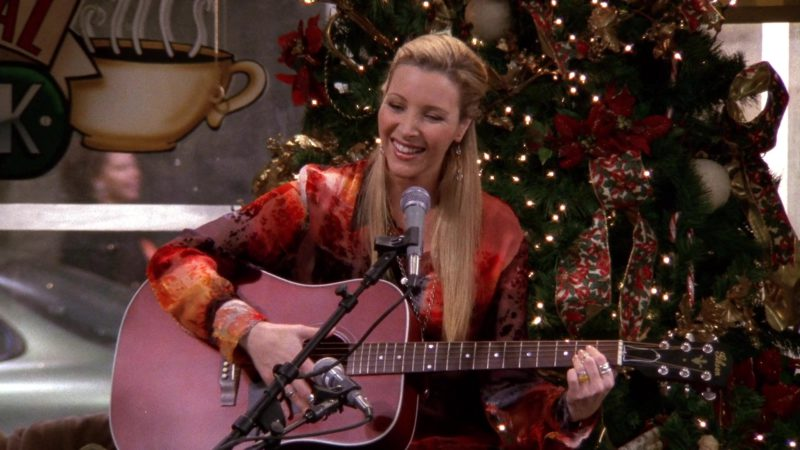 """Gibson Guitar Played by Lisa Kudrow (Phoebe Buffay) in Friends Season 9 Episode 10 """"The One With Christmas in Tulsa"""" (2002) - TV Show Product Placement"""