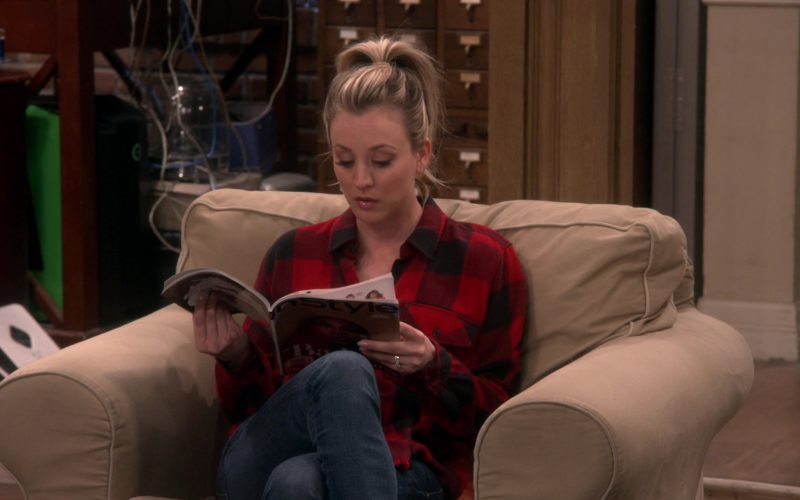 InStyle Magazine Held by Kaley Cuoco (Penny) in The Big Bang Theory (1)