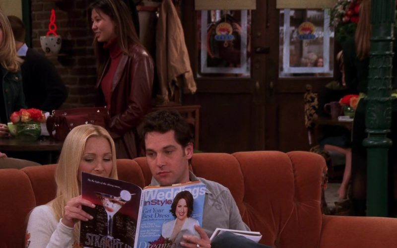 InStyle Weddings Magazine Held by Lisa Kudrow (Phoebe Buffay) in Friends (1)