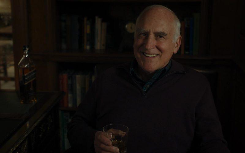 Johnnie Walker Black Label Whisky Drunk by Jeffrey DeMunn (Chuck Rhoades) in Billions – Season 4 Episode 4 (1)