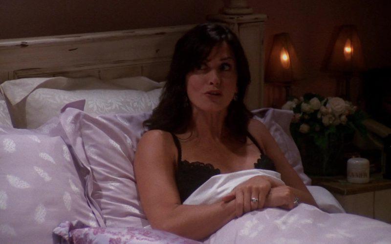 LA MER Crème Used by Courteney Cox (Monica Geller) in Friends Season 9 Episode 5 (1)