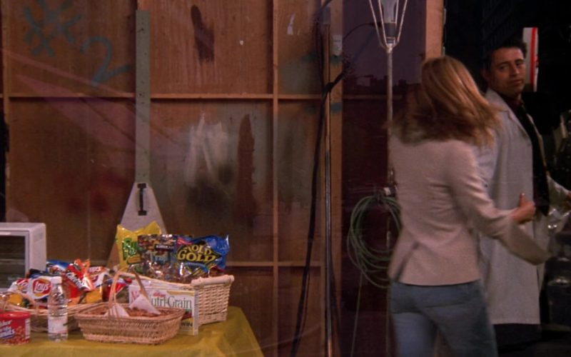 Lays Chips, Cheetos, Fisher Peanuts, Kellogg's Nutri-Grain in Friends Season 8 Episode 5