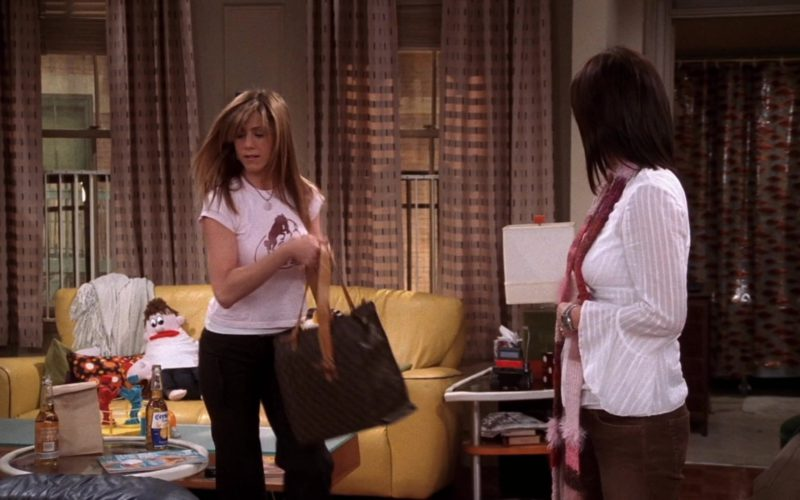 Louis Vuitton Handbag Used by Jennifer Aniston (Rachel Green) in Friends Season 10 Episode 16 (4)