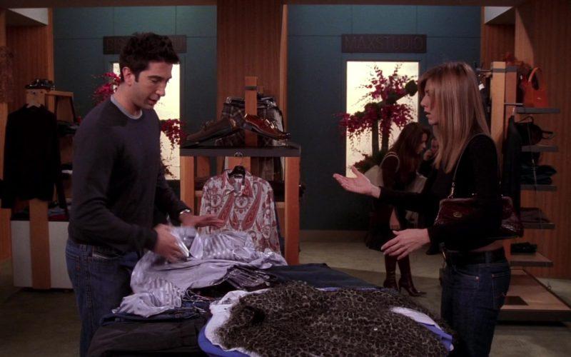 Max Studio Sign in Friends Season 10 Episode 9 (1)
