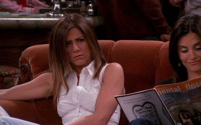 Mental Floss Magazine Held by Courteney Cox (Monica Geller) in Friends Season 9 (2)