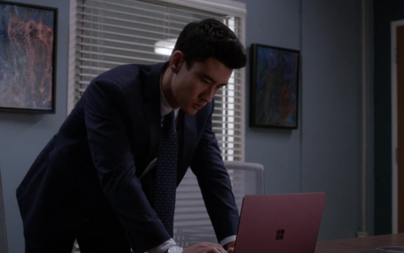 Microsoft Surface Notebook in Grey's Anatomy (4)