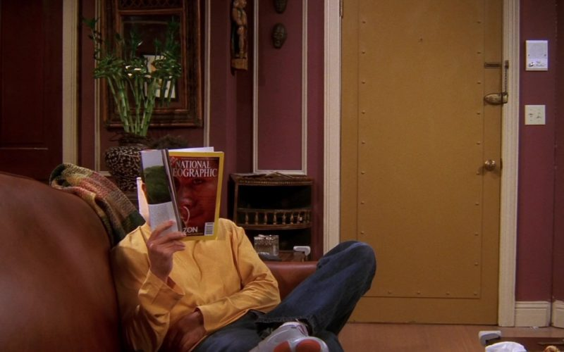 National Geographic Magazine Held by David Schwimmer (Ross Geller) in Friends Season 10 (1)