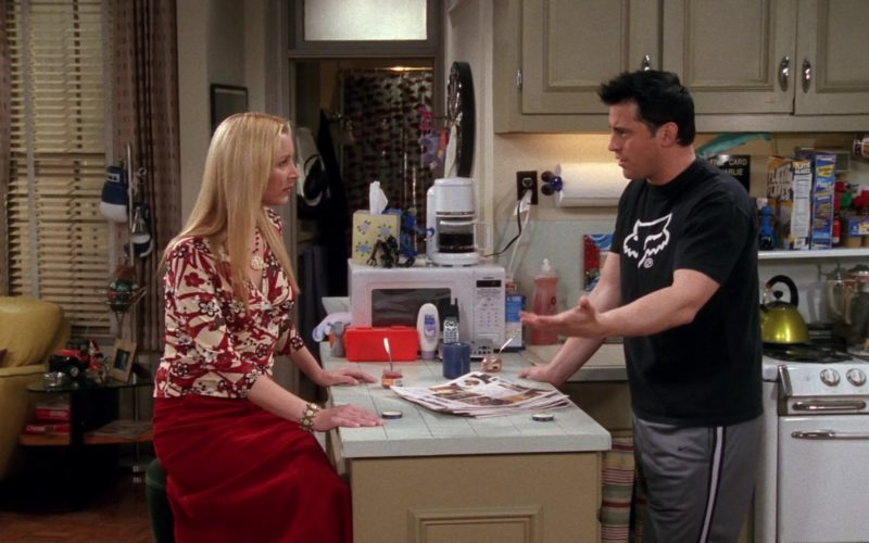 Nike Grey Pants and Fox Racing Black Tee Worn by Matt LeBlanc (Joey Tribbiani) in Friends Season 9 Episode 14 (1)