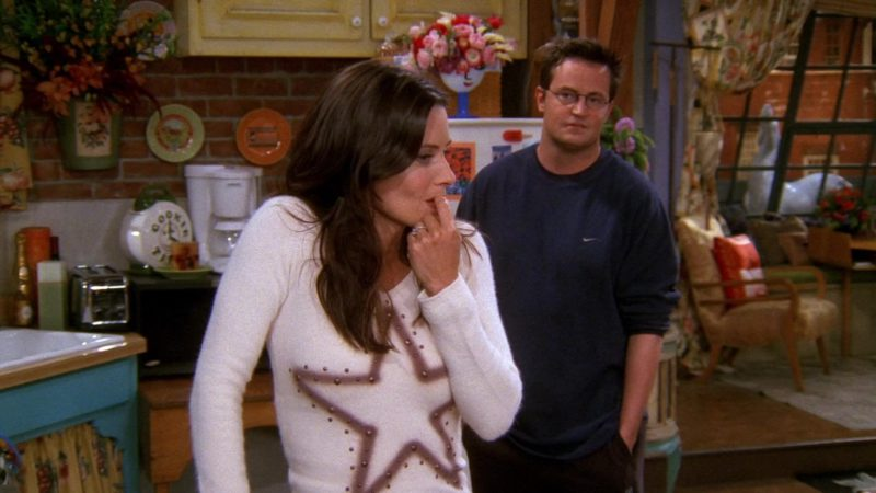 "Nike Sweatshirt Worn by Matthew Perry (Chandler Bing) in Friends Season 8 Episode 7 ""The One With the Stain"" (2001) - TV Show Product Placement"