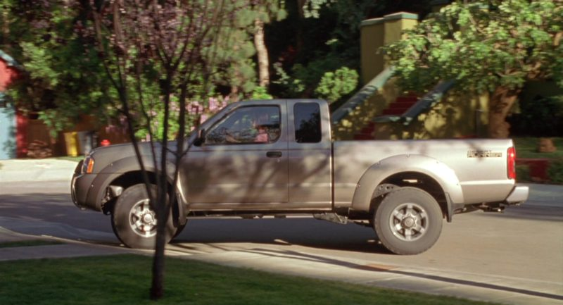Nissan Frontier Desert Runner Mid-Size Pickup Truck Used by Jennifer Love Hewitt in Garfield (2004) Movie Product Placement