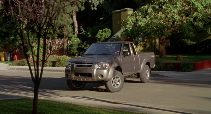 Nissan Frontier Desert Runner Mid-Size Pickup Truck Used by Jennifer Love Hewitt in Garfield (2004) - Movie Product Placement