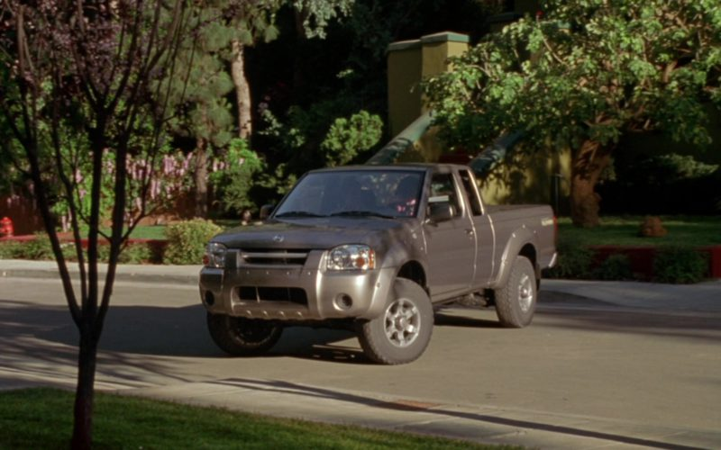 Nissan Frontier Desert Runner Mid-Size Pickup Truck Used by Jennifer Love Hewitt in Garfield (3)
