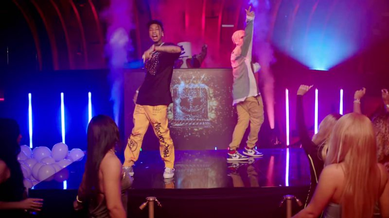 """Off-White Yellow Pants Worn by Tyga in """"Light It Up"""" by Marshmello ft. Chris Brown (2019) Official Music Video Product Placement"""